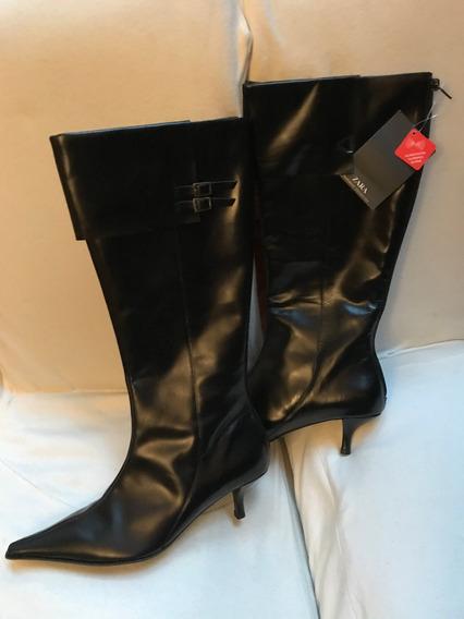 Botas Negras Con Caña Alta Con Cierre N°37 Zara Con Etiqueta