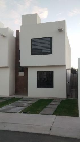 Rincones Del Marques, Xanic, Renta, En Esquina,