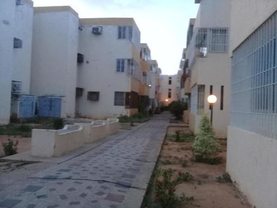Apartamento En Venta, La Macandona , Odeglis Añez, 19-15797