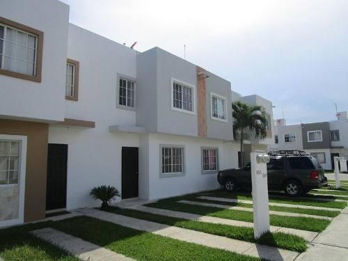 Bonita Casa 2 Hab Sin Muebles Selvanova Playa Del Carmen P1574