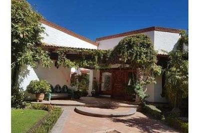 Hermosa Casa De Lujo En Una Sola Planta En Juriquilla