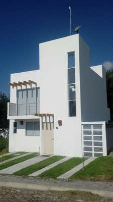 Casa A La Venta En Chapala- House For Sale In Fraccionamiento Villa Las Pergolas