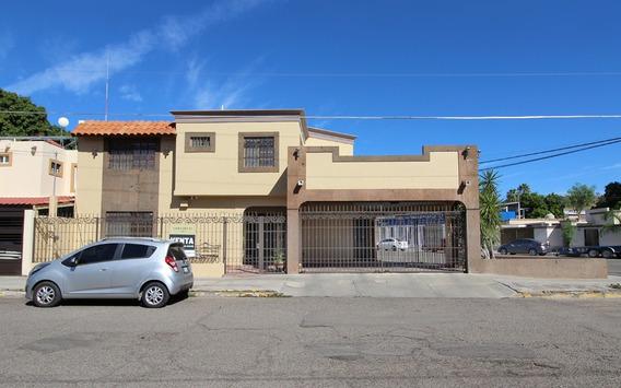 Venta Casa Dos Niveles, Tres Recamaras, Al Norte De La Ciudad En Hermosillo