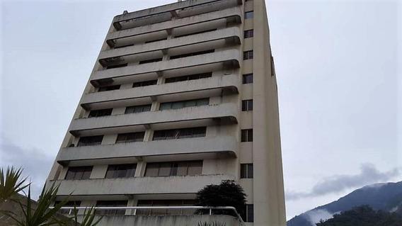Apartamento En Venta Urb. 18-12161