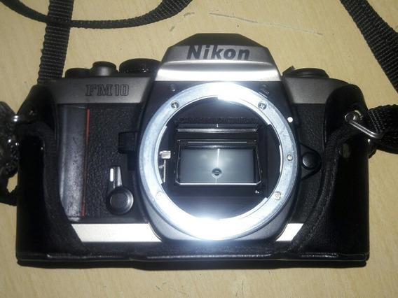 Camera Nikon Fm 10 Corpo C/ Case De Couro.