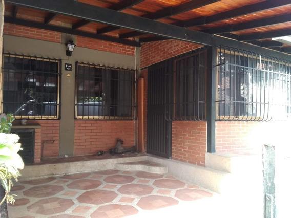 Casa Urb. Las Rosas, Resd. Los Pinos