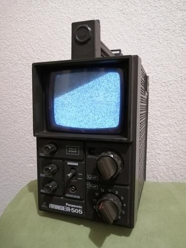 Imagen 1 de 10 de Mini Tv Portatil Panasonic Ranger 505 Tipo Militar De 1976