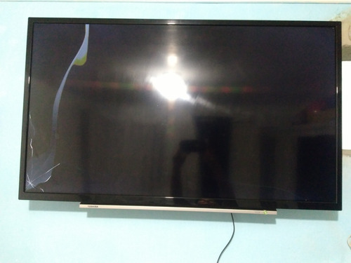 Tv Semp Toshiba 40 Polegadas Com Display Trincado.