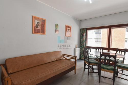 A Metros De Los Dedos Y Próximo A Gorlero. Apartamento De 1 Dormitorio.- Ref: 8636
