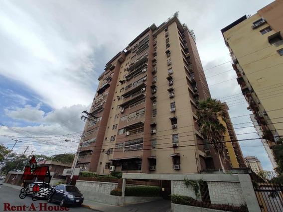 Apartamento En Venta En Urb. El Centro Mls #20-5940 Aea