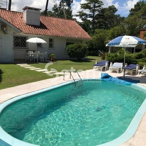 Venta Casa 3 Dormitorios, Cantegril Punta Del Este- Ref: 917