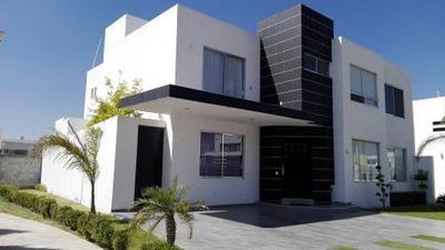 Hermosa Casa Con Gran Jardin! | Casa En Renta