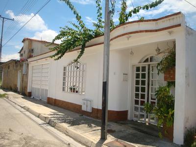 En Venta Amplia Y Cómoda Casa Urb. Base Sucre Maracay