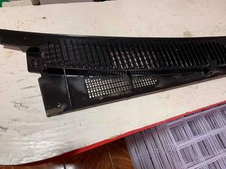 Tolva Rejilla Parabrisas Chevrolet 9098