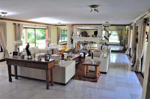 Importante Residencia A 700 Mts De Playa Mansa.- Ref: 11079