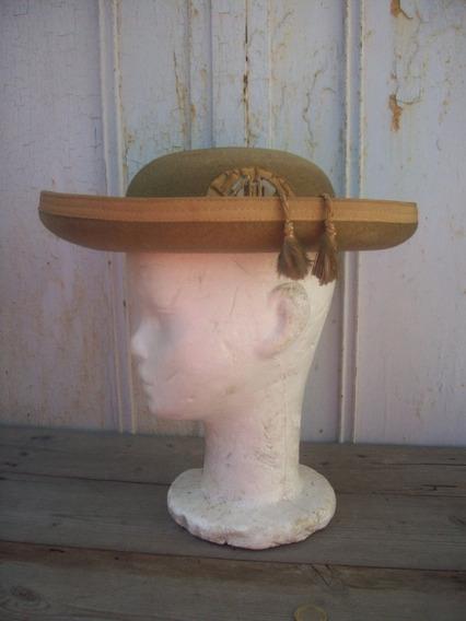 Antiguo Sombrero Superior