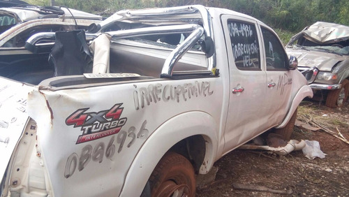 Sucata Hilux Cabine Dupla 2014  4x4 Diesel Retirada De Peças