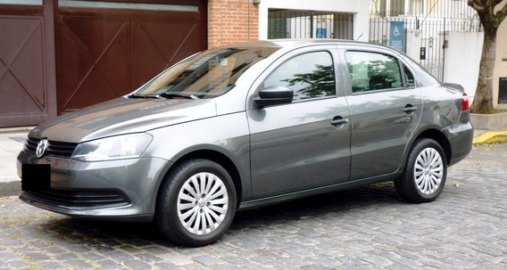 Volkswagen Voyage 1.6 Full Impecable - Permuto //