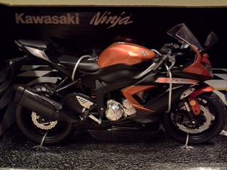 Miniatura Moto Kawasaki Zx-6r 636 Cor Laranja Escala 1:12