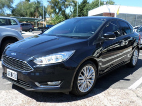 Ford Focus Iii Sedán Negro Se Plus 2.0 2016 Automatico Techo