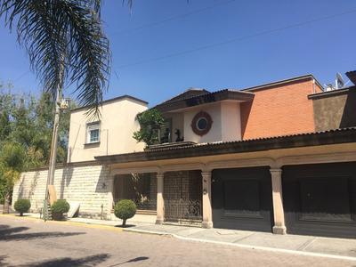 Casa En Venta Jardines De Zavaleta, 7 Recámaras, Alberca Techada