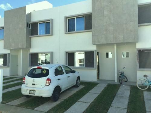 Maravillosa Casa Amueblada En Renta C2413