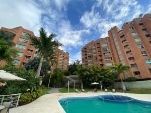 20-20376 Increible Apartamento En Solar Del Hatillo