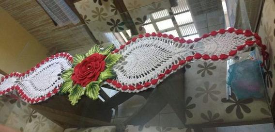 Caminho De Mesa Crochê Com Mega Flor