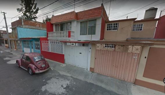 Venta De Casa En Calle 2da Cerrada 697 Gustavo A Madero