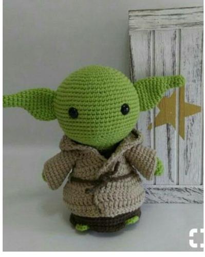 Mestre Yoda Amigurumi 20 Cm