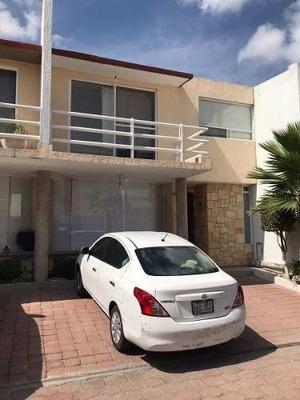 Se Renta Preciosa Casa En Fracc. Luz Maria, Alberca, 3 Recamaras, Jardín