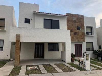 Se Renta Linda Casa En Santa Fe Juriquilla