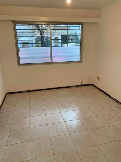 Alquiler Al Fte Apto,1 Dorm , Living Com,. $13900 Gc $ 3500
