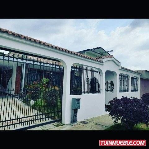 Casa En Venta En La Urb Trigal Centro Cod 19-10559 V.m