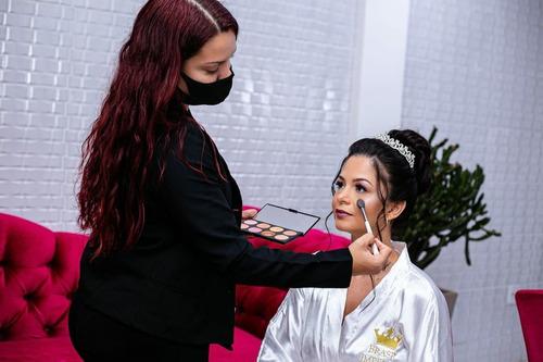 Imagem 1 de 7 de Maquiagem | Penteado | Cílios | Henna