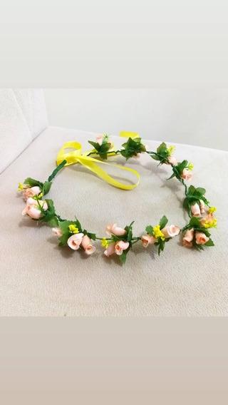 Coroa De Flores Delicadas Cor Nude