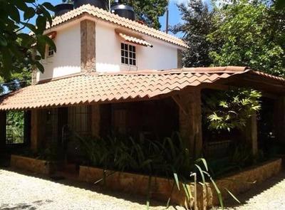 Hermosa Villa En Samana A 10 Minutos De La Playa!