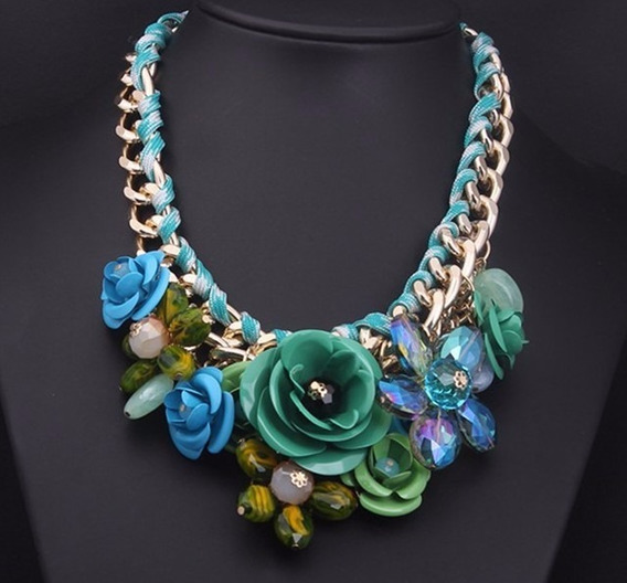 Collar De Mujer Con Flores Color Verde De Moda