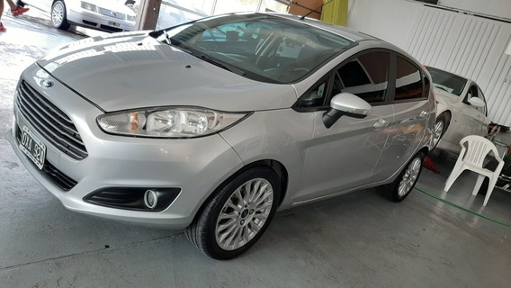 Ford Fiesta Kinetic Design 1.6 Sedan Se Plus 120cv 2015