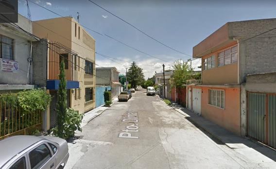 Venta De Casa En Jardines De Casanueva, Ecatepec, México