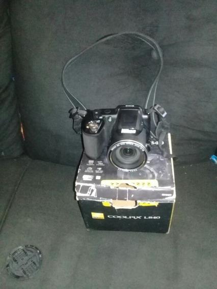 Uma Máquina Fotografica,semi Profissional Da Marca:kanon