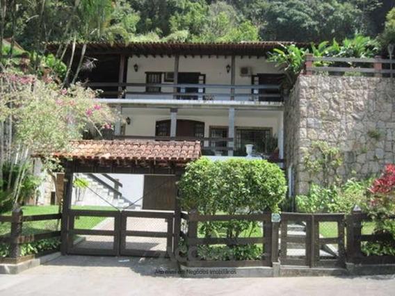 Casa 6 Dormitórios 7 Vagas, Pitangueiras - 0250-1