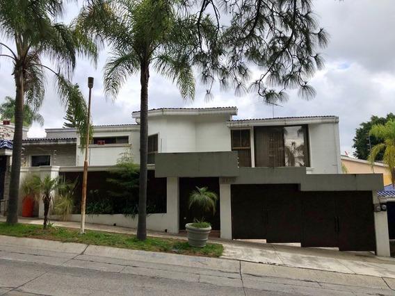 Se Vende Casa En Bugambilias 2nda Secc. 545m2 Terr, 637m2
