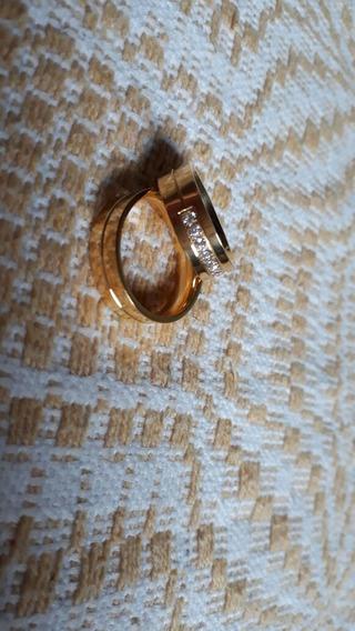 Aliança De Casamento Ouro 18k Com Pedras De Zirconia