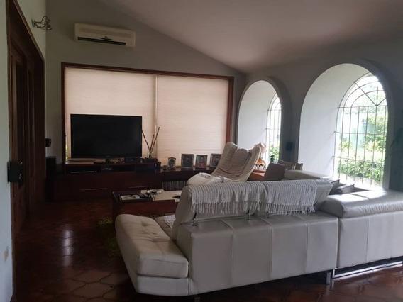 Casa En La Urb. La Viña, Valencia. Cod: Foc-579