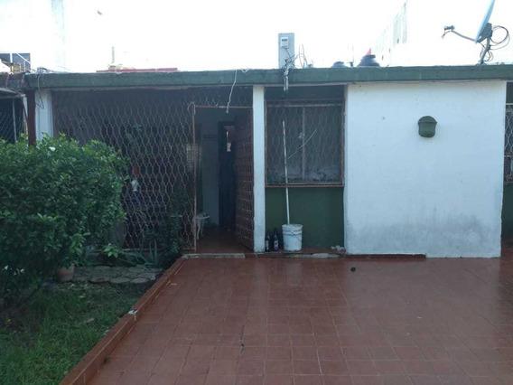 Casa De 3 Recamaras, 1 Bano, Sala,comedor Y Patio.