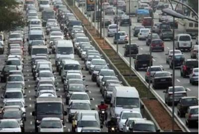 Contrata-se Motorista Com Veículos Próprio