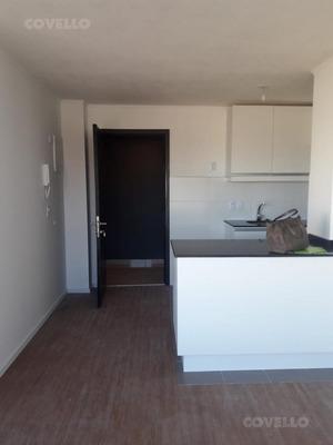 Sobre Avenida, Estrena Piso Intermedio, 1 Dormitorio, Living Con Terraza, Amenities, Bajos Gastos.