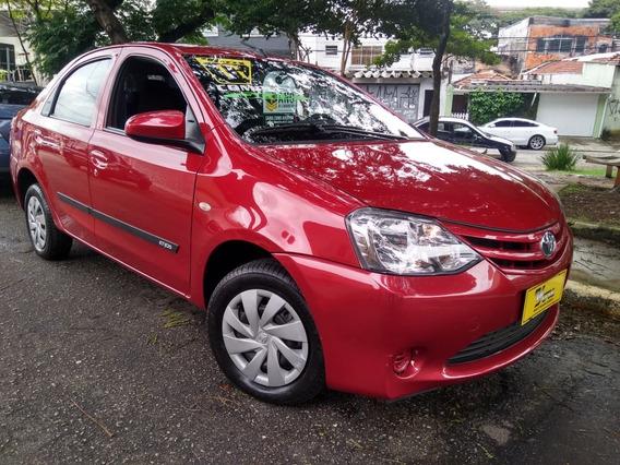 Toyota Etios Sed X 1.5 Flex 2017 Vermelho Completo 29.000km