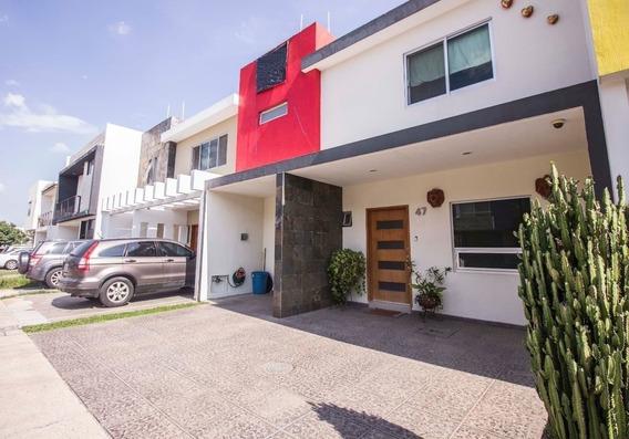 Hermosa Residencia En Venta En Solares Dentro De Condominio